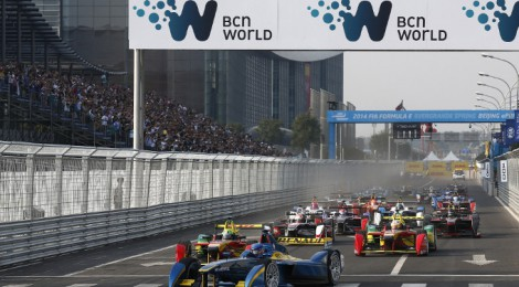 フォーミュラE開幕戦北京GP、オーバーテイク多数など興奮の展開から衝撃的なクライマックスへ。