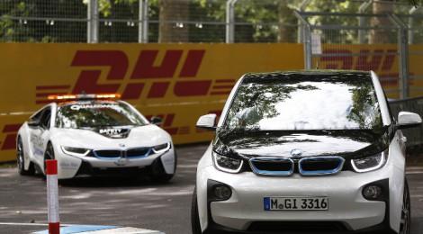 BMWのiシリーズの販売台数が30000台を超えました!