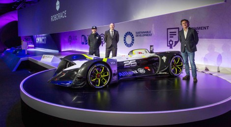 ロボレース、最初のドライバーレス電気自動車を発表