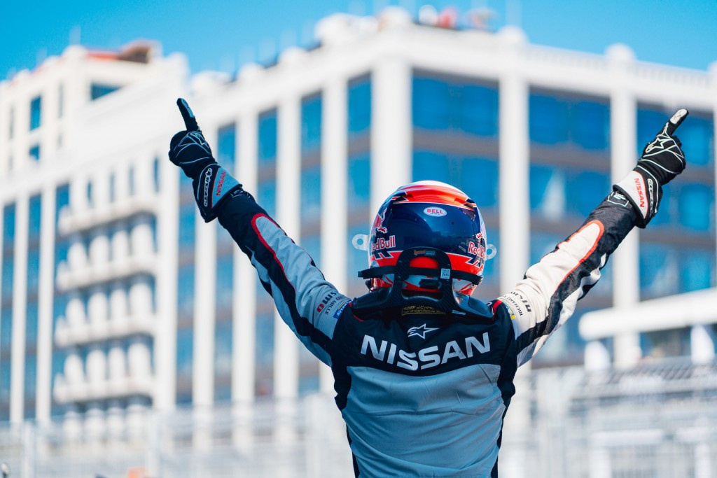 BROOKLYN STREET CIRCUIT, UNITED STATES OF AMERICA - JULY 13: Race winner Sébastien Buemi (CHE), Nissan e.Dams celebrates in parc ferme during the New York City E-prix I at Brooklyn Street Circuit on July 13, 2019 in Brooklyn Street Circuit, United States of America. (Photo by LAT Images)