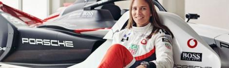 ポルシェ開発ドライバーのシモーナ・デ・シルベストロとトーマス・プレイニング